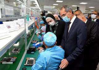 تدشين خطوط إنتاج أول منتج عربي من التابلت واللاب توب