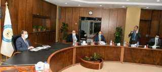 وزير البترول يتابع تقدم تنفيذ برنامج التوسع في محطات الغاز الطبيعى للسيارات